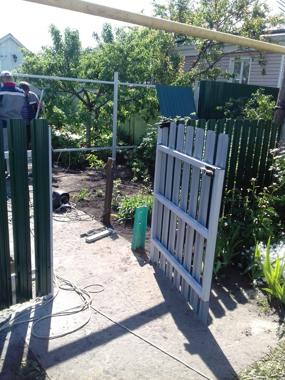 Комбинированный забор 25м штакетник и профлист, ворота, калитка фото1