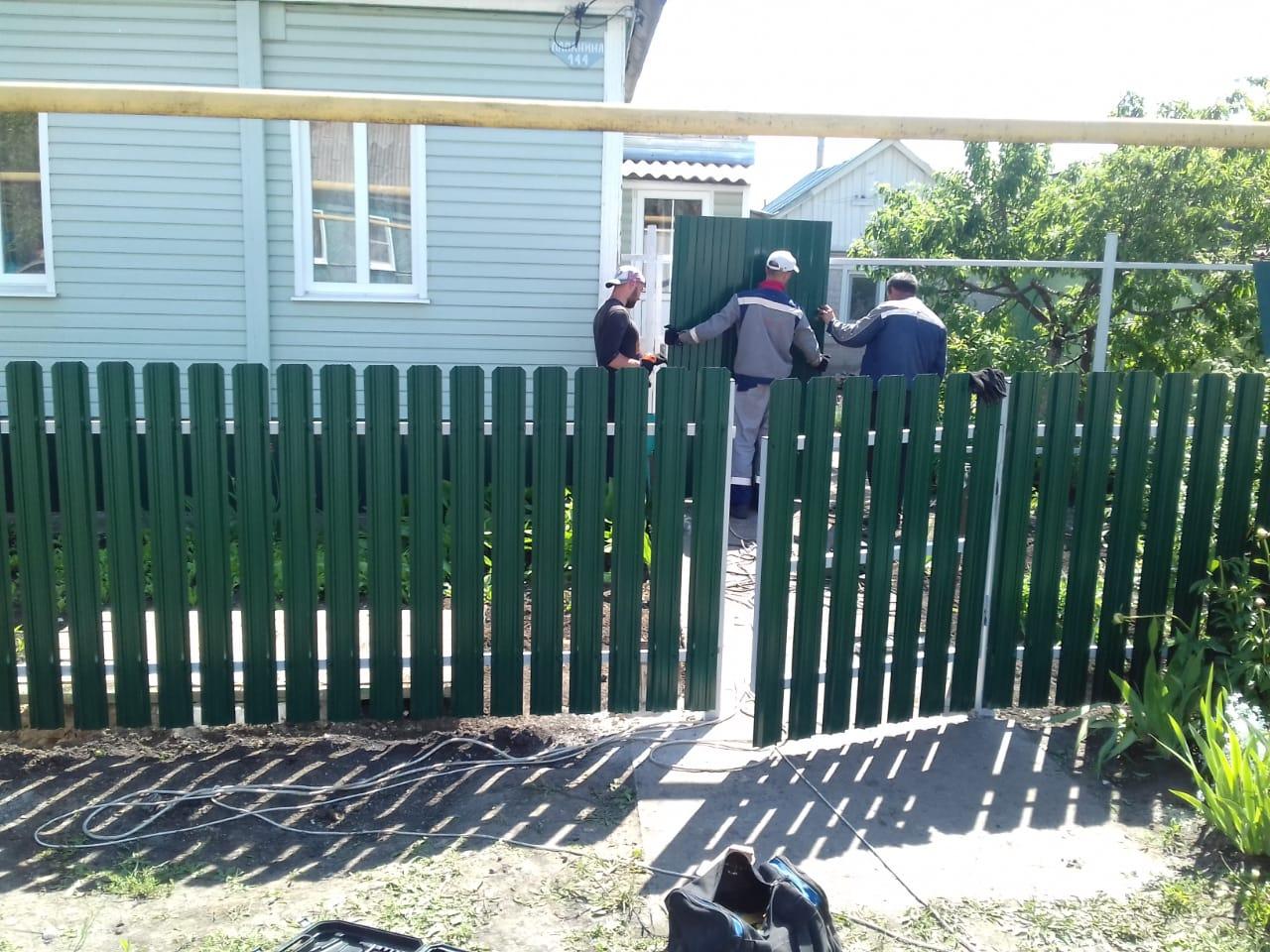 Комбинированный забор 25м штакетник и профлист, ворота, калитка фото2