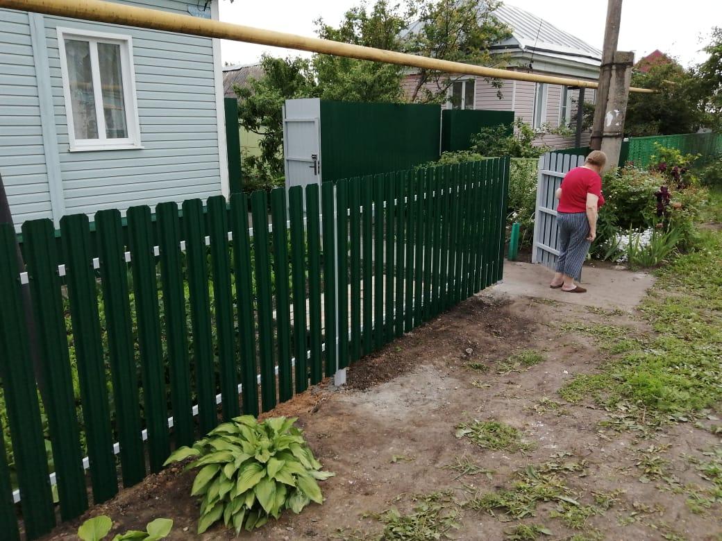 Комбинированный забор 25м штакетник и профлист, ворота, калитка фото3