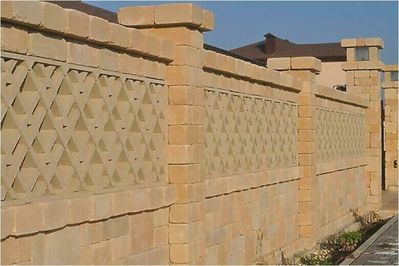 забор из камня фото7