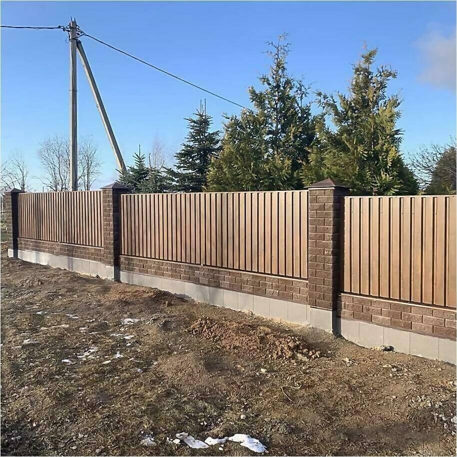 Забор из профлиста НС-21 цвет Printech темное дерево фото1