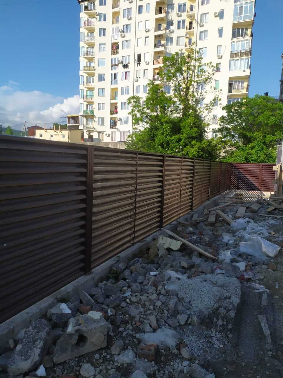 Забор-жалюзи 140м RAL8017 Шоколад фото1