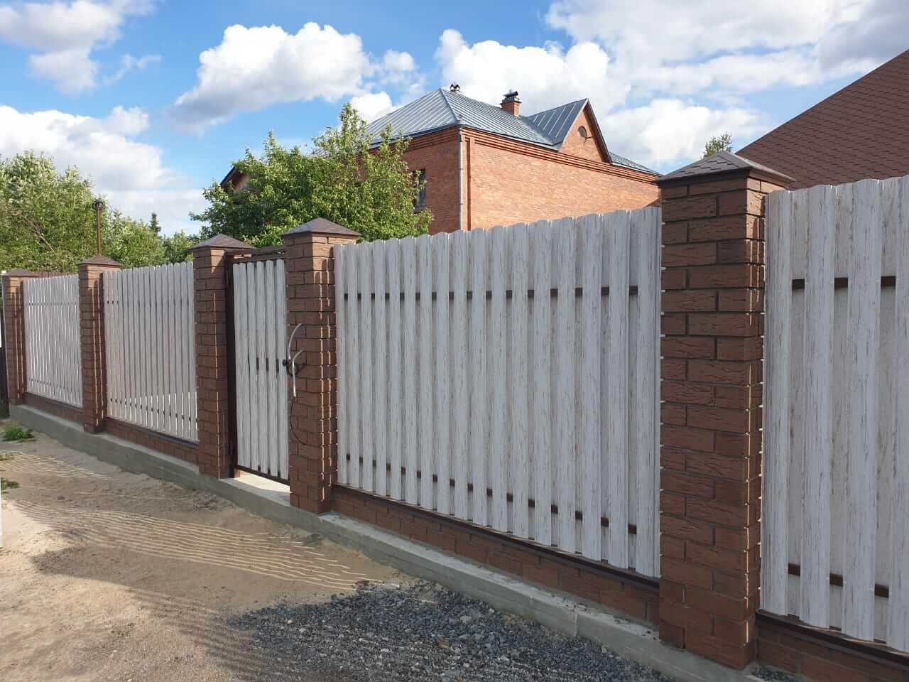 забор из штакетника Белёный Дуб фото7