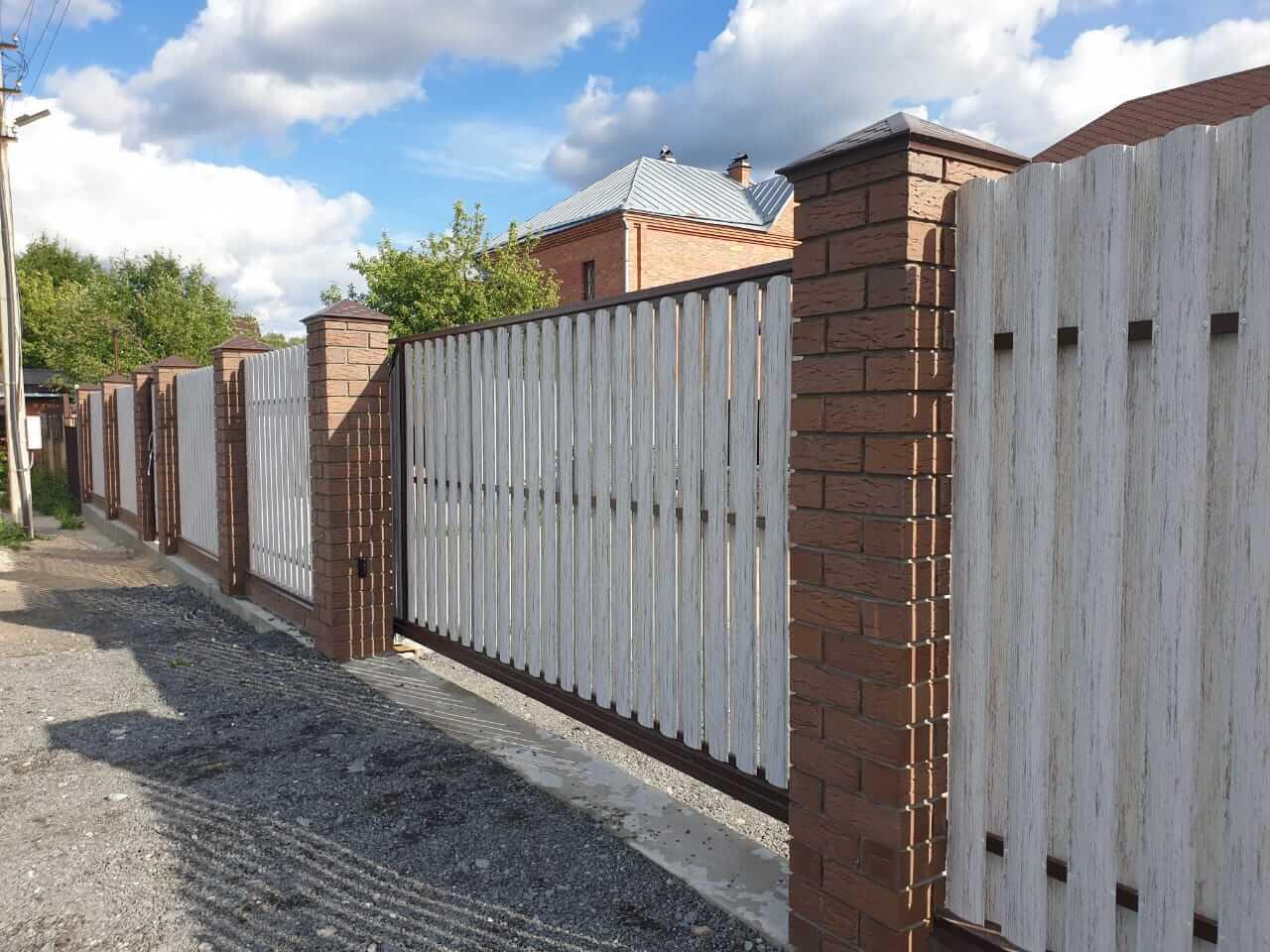 забор из штакетника Белёный Дуб фото3