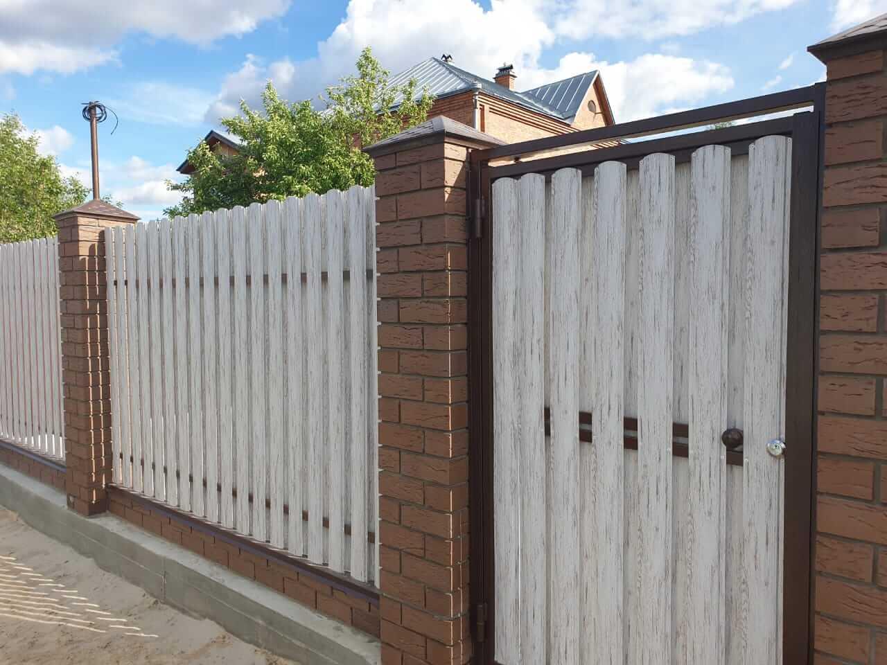 забор из штакетника Белёный Дуб фото2