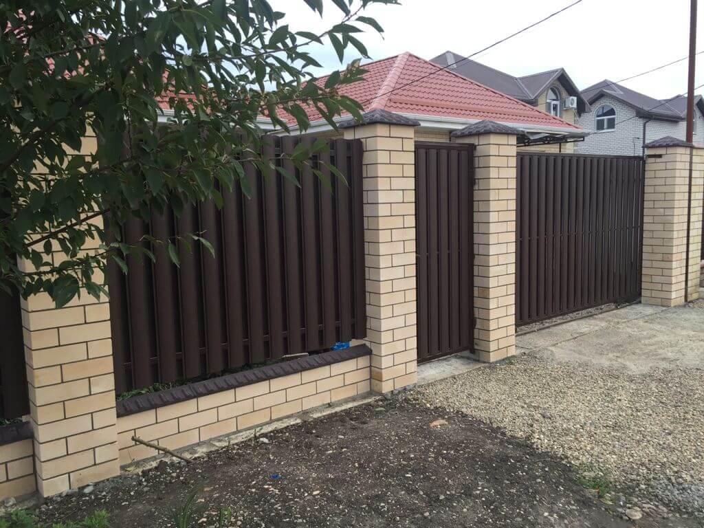 забор из штакетника матовый стальной бархат фото2