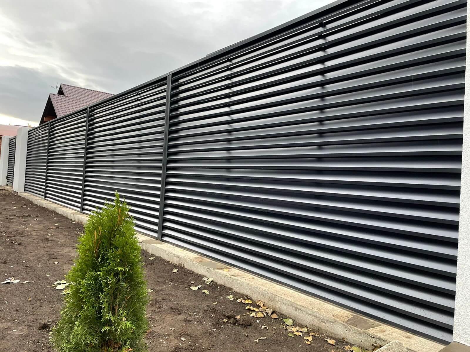 забор-жалюзи с ламелями ЭКО-Z Серый Графит двухсторонний фото1
